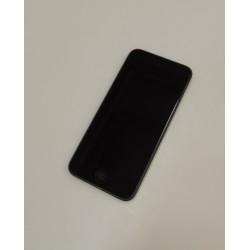 iPod Touch Gen 6 + laadija...