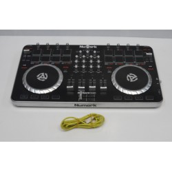DJ-контроллер NUMARK...